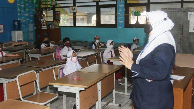Pembelajaran Tatap Muka Dimulai di Daerah PPKM Level 1-3, Sekolah Harus Bentuk Satgas Covid-19
