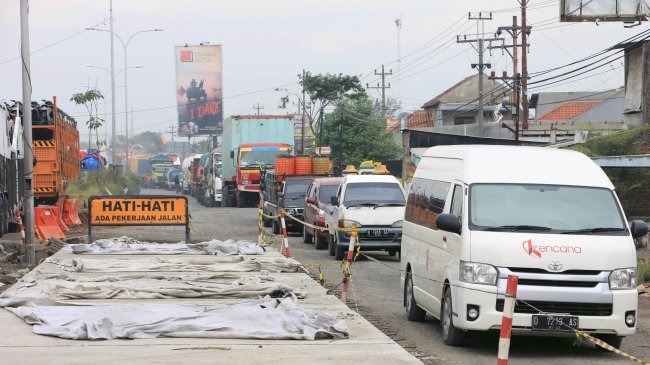 Matras Bambu Digunakan untuk Konstruksi Tol Semarang - Demak