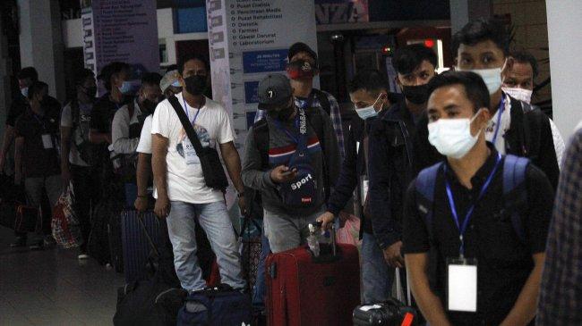 pemulangan-pekerja-migran-indonesia-asal-malaysia_20210503_221330.jpg