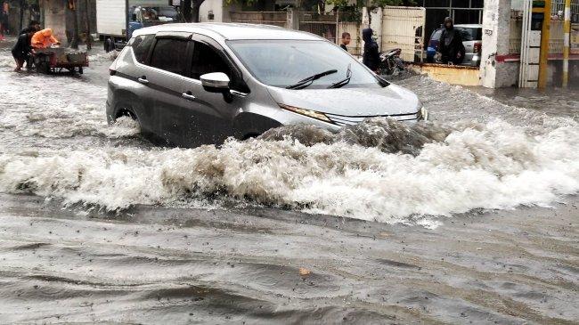 Masuk Musim Hujan, Perhatikan Tujuh Hal Ini Agar Mobil Tetap Prima