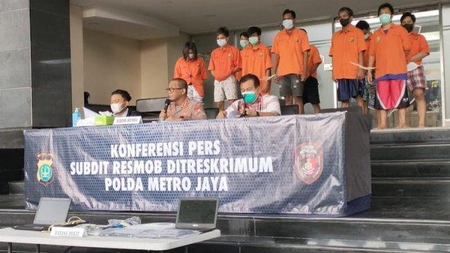Polda Metro Jaya Ringkus Pelaku Penipuan Lewat SMS Atas Nama Baim Wong