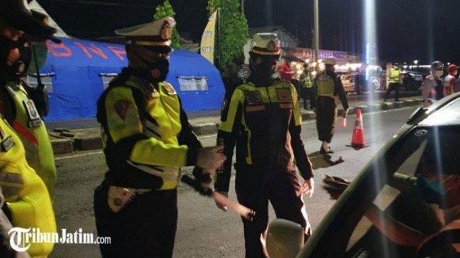 Terapkan PPKM Darurat, Polres Depok Lakukan Penyekatan Malam Hari di Jalan Margonda