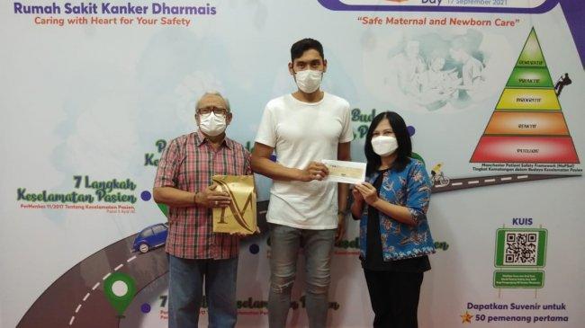 Sido Muncul Serahkan Bantuan Rp 100 Juta untuk Legenda Bulu Tangkis Indonesia Verawaty Fajrin