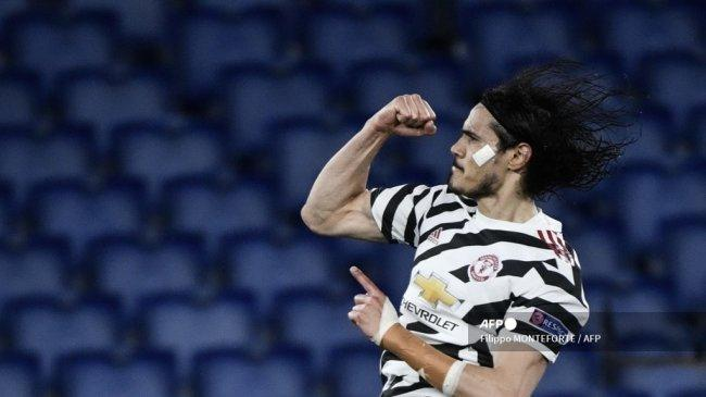 penyerang-manchester-united-edinson-cavani-merayakan-setelah-mencetak-gol-lawan-roma.jpg