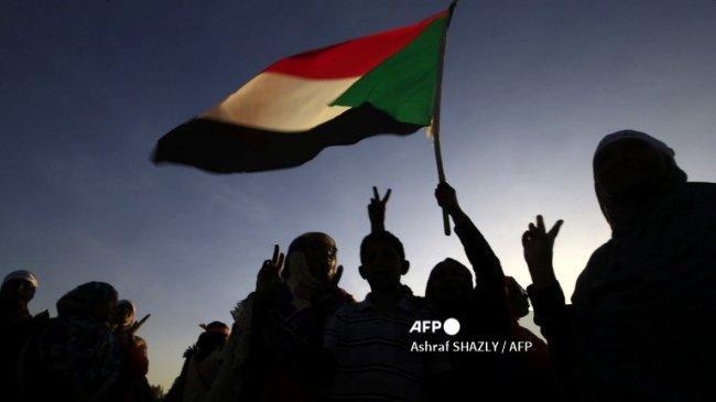Pasukkan Keamanan Sudan Tembakkan Gas Air Mata ke Ribuan Orang, Demo Mendukung Pemerintahan Sipil
