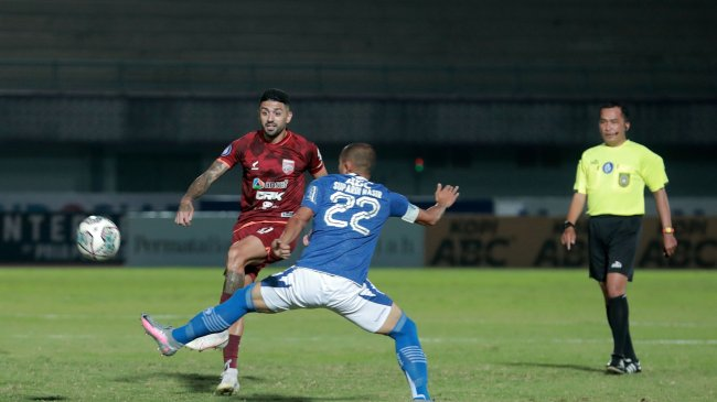 Hasil Persib Vs Borneo FC, Imbang Tanpa Gol Babak Pertama, Nick Kuipers Kartu Kuning