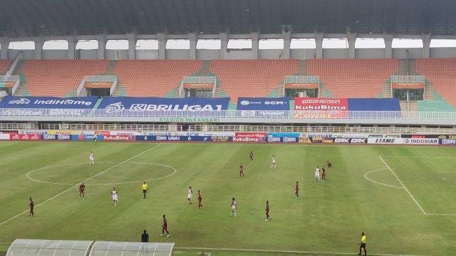 Borneo FC Vs Persita 2-2: Rifky Penyelamat, Jevlon Guseynov Tendang Bola ke Bench Pendekar Cisadane