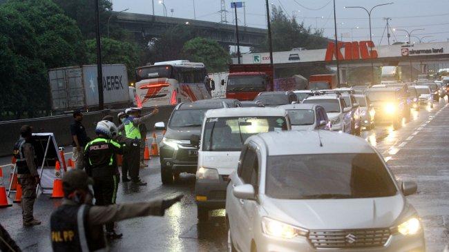 SIKM Tak Ada, 18.708 Kendaraan Diminta Putar Balik Lagi ke Titik Awal Keberangkatan