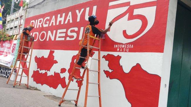 Istana: Spanduk HUT RI Sebaiknya Tak Memuat Gambar Presiden Jokowi