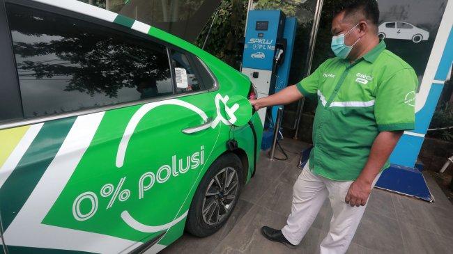 Pemerintah Belum Siap Gantikan Kendaraan Berbahan Bakar Fosil dengan Mobil Bertenaga Listrik