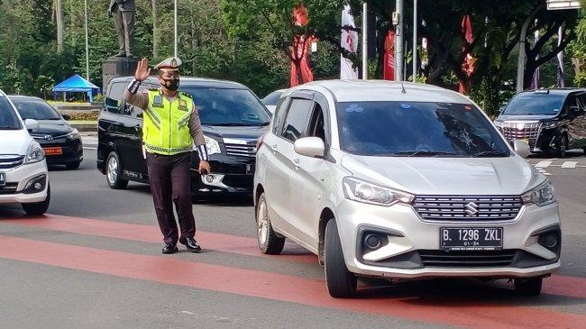 Meski Diturunkan Jadi PPKM Level 3, Hari Ini Ganjil-Genap di Jakarta Tetap Diberlakukan