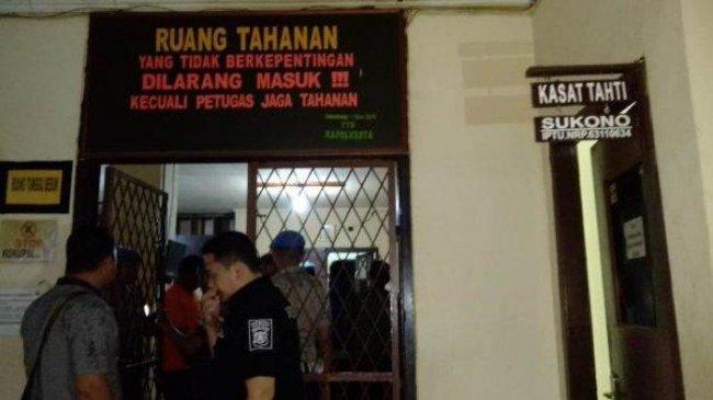 BREAKING NEWS: 30 Tahanan Narkoba Polresta Palembang Kabur