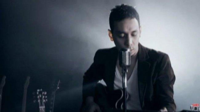 Lirik dan Chord Gitar Lagu Aku Milikmu (Malam Ini) - Pongki Barata: Tunggu Aku di Sini