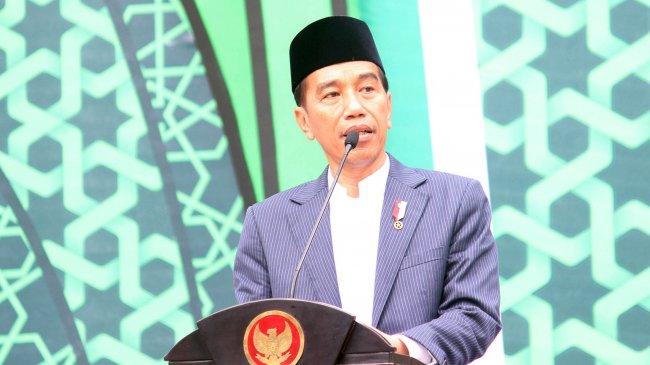 Jokowi Melayat Mendiang Eka Tjipta Widjaja Sebelum Berangkat ke Istana Bogor
