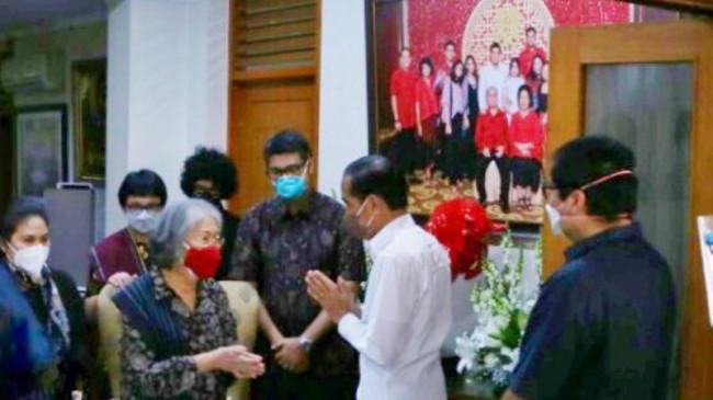 3 Mantan Gubernur DKI dan Gubernur Anies Baswedan Beri Penghormatan Terakhir untuk Sabam Sirait