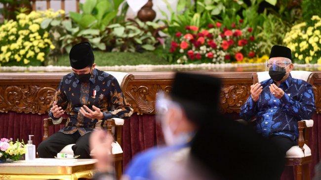 presiden-jokowi-wapres-dan-sejumlah-menteri-serahkan-zakat_20210415_214316.jpg