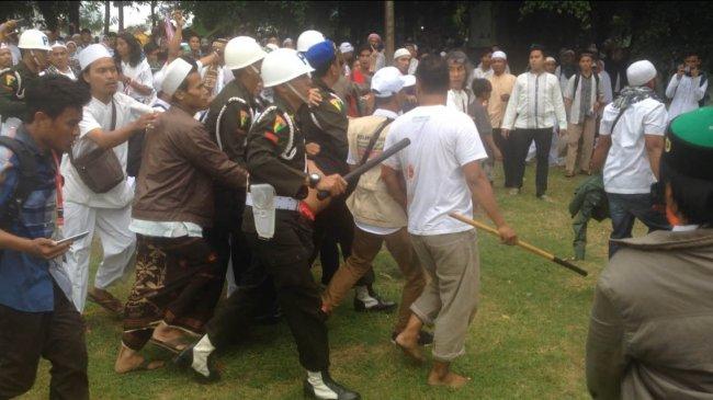 Diduga Provokator, Seorang Pria Ditangkap Polisi Militer di Monas