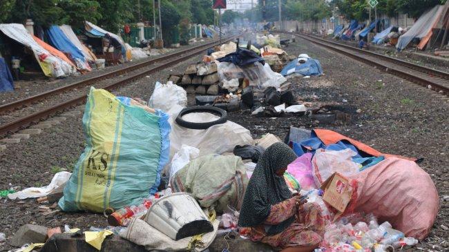 Menko PMK: Pengentasan Kemiskinan Ekstrem Tak Cukup dengan Bansos