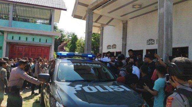 Kepergok Gagahi Anak Usia 11 Tahun di Semak-semak, Pemuda Pidie Aceh Diringkus dan Digelandang Warga