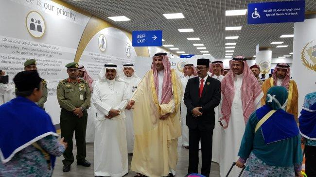 Putra Raja Salman Dan Menteri Haji Keturunan Banten Sambut Kedatangan Jemaah Haji Jakarta di Madinah