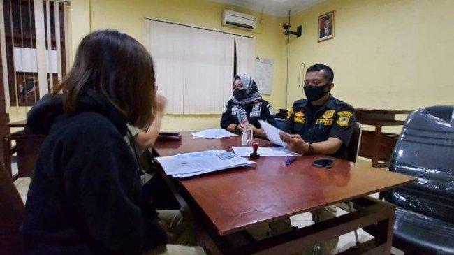 Cerita Waria Tangerang Banting Setir dari Perias Pengantin Jadi PSK Online hingga Dijebak Satpol PP