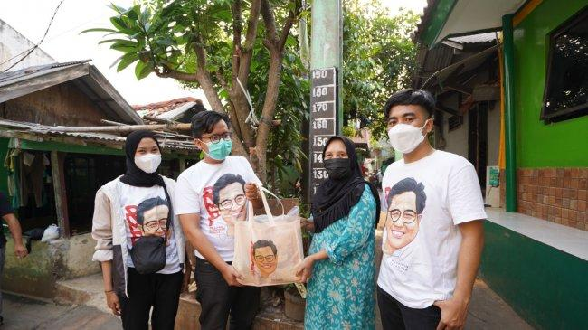 RMP Distribusikan Ribuan Paket Sembako untuk Guru Ngaji di Jakarta