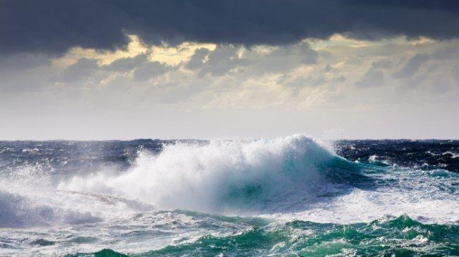 Peringatan Dini Gelombang Tinggi BMKG Jumat, 22 Oktober 2021: 9 Wilayah Perairan Capai 4 Meter