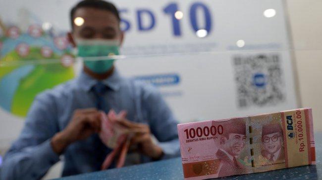 Rupiah Ditutup Melemah ke Rp 14.283 per Dolar AS pada 1 September 2021, Berikut Kurs di 5 Bank