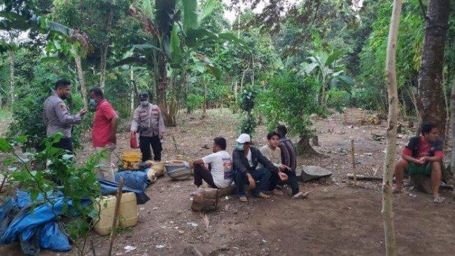 Pelaku Judi Sabung Ayam di Lampung Digerebek Polisi, Belasan Motor Diamankan