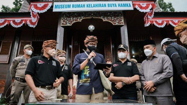 Sandiaga Cerita Pengalaman Masa Kecil Dengar Ceramah Buya Hamka di Masjid Al Azhar