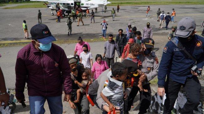 Usai Kontak Tembak dengan anggota Satgas Nemangkawi TNI-Polri, Anggota KKB Lompat ke Jurang