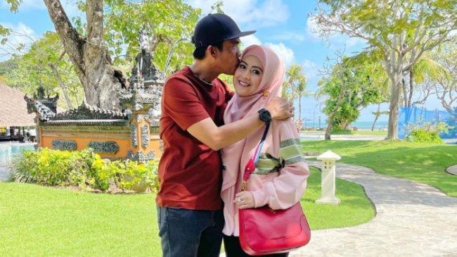 Pernikahannya dengan Muhammad Kerap Diterpa Gosip, Meggy Wulandari Curhat: Naudzubillah Mindzalik