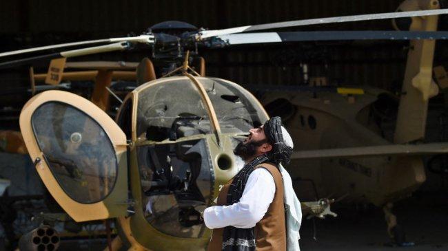 Amerika Tinggalkan Pesawat dan Helikopter Rusak, Taliban Marah dan Merasa Dikhianati