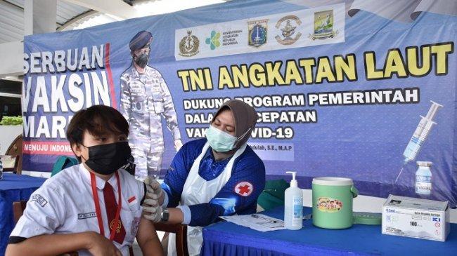 Menilik Antusias Pelajar Ikut Serbuan Vaksinasi TNI AL di Markas Kolinlamil Tanjung Priok