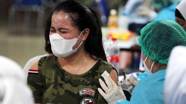 Serbuan Vaksinasi Covid-19 TNI AU dan Pemkot Bekasi