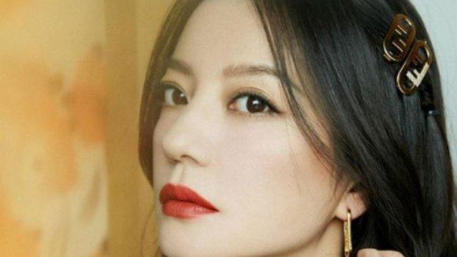 Ramai Dibicarakan, Ini Alasan Aktris Vicky Zhao Menghilang dari Media Sosial China