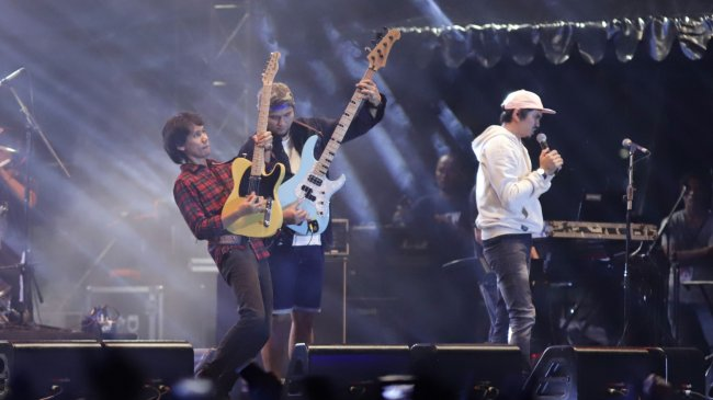 Lirik dan Chord Gitar Lagu Seberapa Pantas - Sheila On 7: Seberapa Pantaskah Kau untuk Ku Tunggu