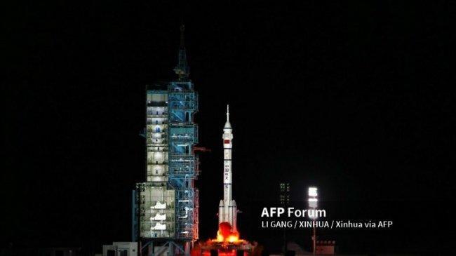 Astronaut China Tiba di Stasiun Luar Angkasa untuk Jalankan Misi Terpanjang