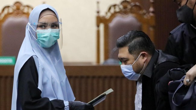 5 Gaya Jaksa Pinangki Pakai Hijab dan Gamis di Ruang Sidang, Berikut Foto-fotonya