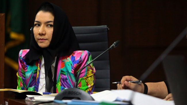 Terungkap di Sidang, Azis Syamsuddin Panggil Rita Widyasari 'Bunda'