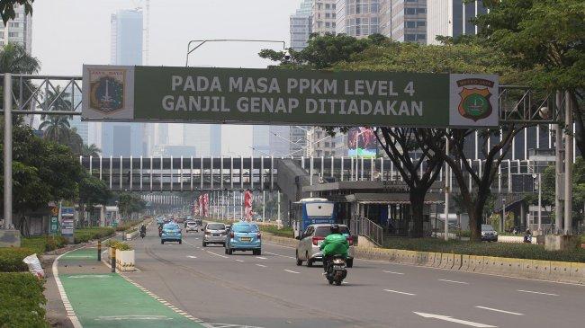 Pimpinan MPR: Pemerintah Harus Kaji Betul Opsi Perpanjangan atau Penghentian PPKM Level 4