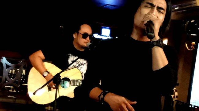Chord Gitar dan Lirik Lagu Jangan Pernah Berubah - ST12: Tak Relakan yang Indah Hilanglah Sudah