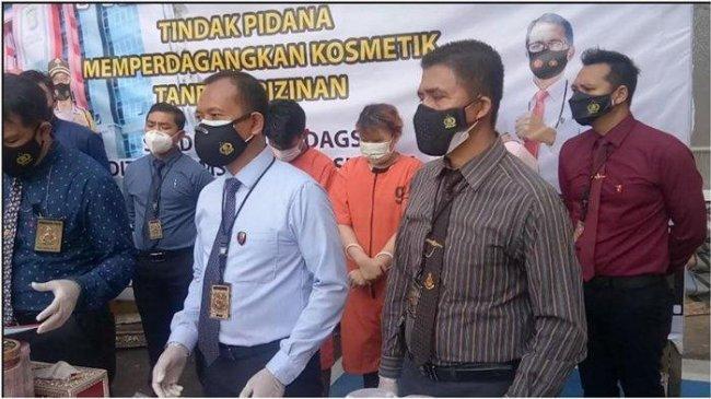 Edarkan Kosmetik Ilegal, Pasutri di Palembang Terancam Denda Rp 1,5 Miliar dan Penjara 15 Tahun