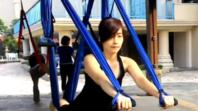 Swing Yoga Bikin Perut dan Pantat Lebih Kencang