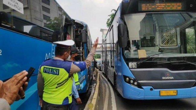 Dua Armada Tabrakan, Transjakarta Siap Beri Pendampingan Penuh Puluhan Korban Luka-luka