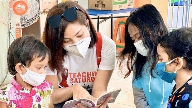 Lewat Gerakan Teaching Saturday, Bella Anggela Ajak Masyarakat dan Artis Bantu  Anak Penderita HIV