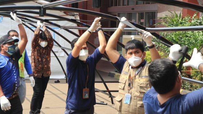 Tiga Rumah Sakit Rujukan Covid-19 di Jakarta Terima 5 Paket Tenda Darurat