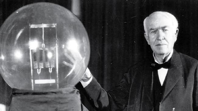 Mengenal Thomas Alva Edison, Sang Penemu Bola Lampu Pijar yang Mengubah Dunia
