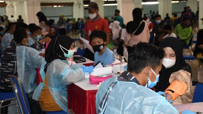 TNI AL Gandeng IPDN Gelar Serbuan Vaksinasi di Jatinangor, Sukasari dan Tanjungsari