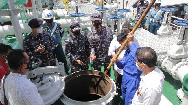 TNI AL Tangkap Kapal Tanker Berbendera Panama yang Angkut Ribuan Ton Minyak Hitam Diduga Limbah